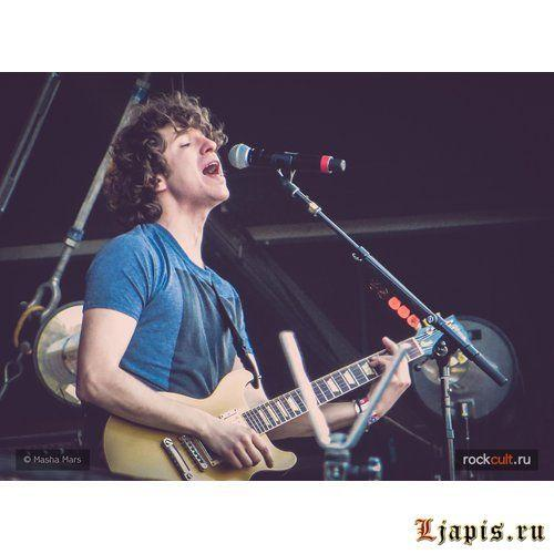 The Kooks выпустили сингл Be Who You Are